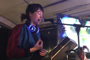 Poëzie Karaoke in de Herman Brood bus 4